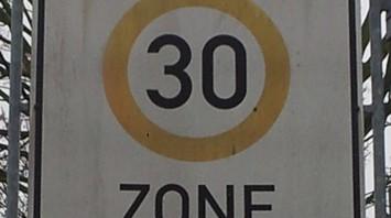 Tempo30-Schild